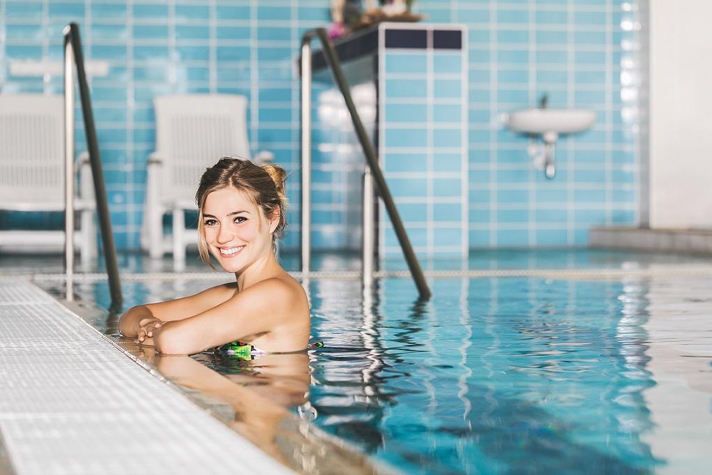https://www.hotel-ambra.cz/uploads//images/wellness/bazén6.jpg