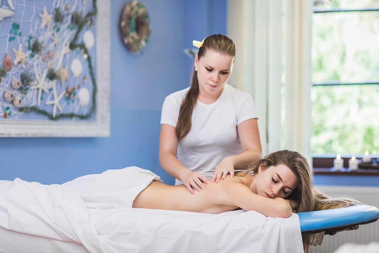 http://www.hotel-ambra.cz/uploads//images/wellness/Masáž.jpg